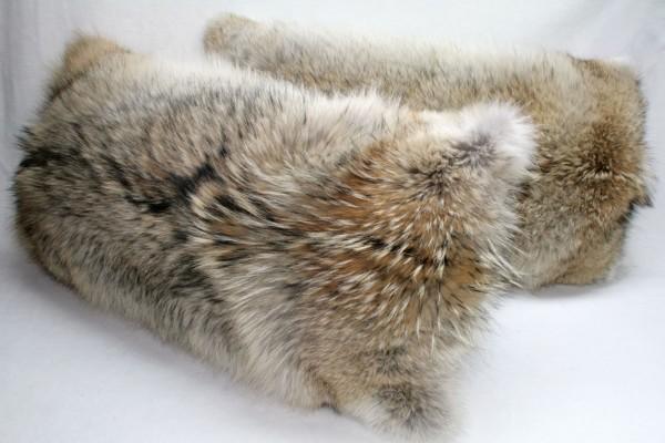 Kojotenkissen - kanadische Felle
