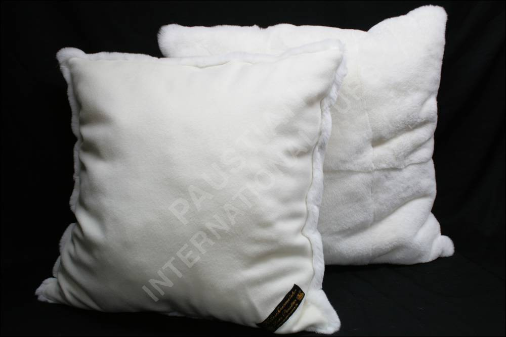 360 wei es rexkaninkissen fellkissen pelz kissen. Black Bedroom Furniture Sets. Home Design Ideas