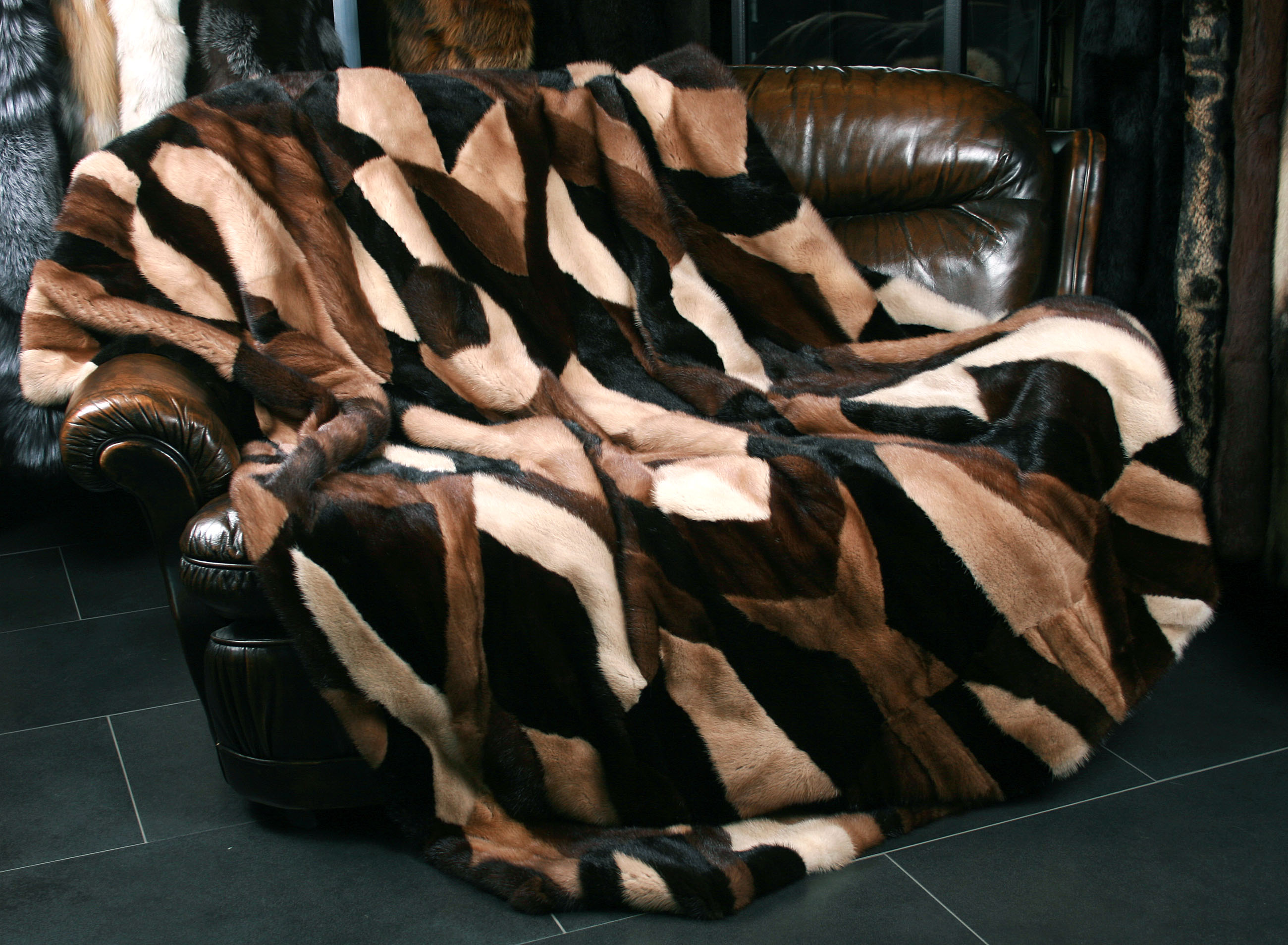nerz felldecke multicolour natufarben paustian pelze. Black Bedroom Furniture Sets. Home Design Ideas