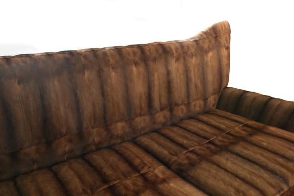 Sofa aus naturellem Nerz in braun