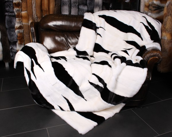 Nerzfelldecke in einem einmaligen Design in Black+White