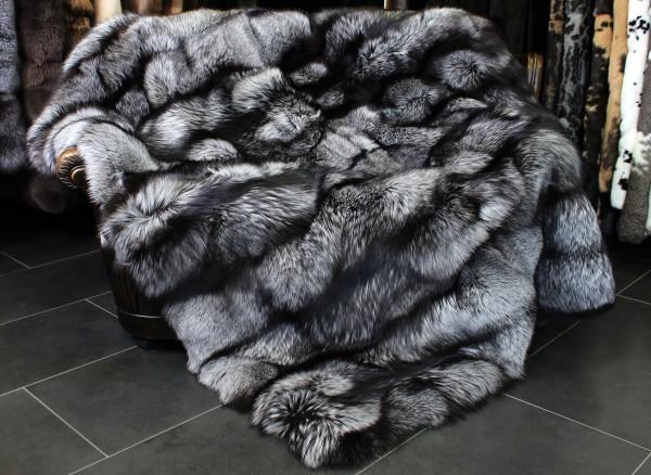 TOP - LOT Silberfuchs Felldecke - Kopenhagen Fur 2014