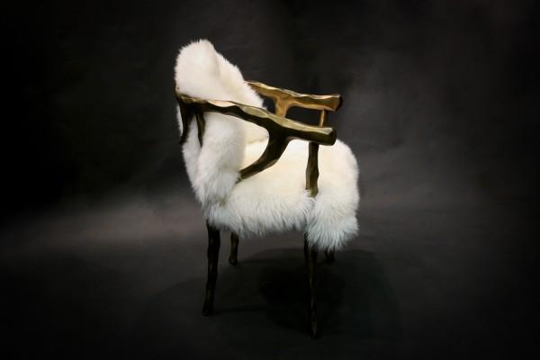 Geweih-Stuhl mit Australischem Lammfell Bezug
