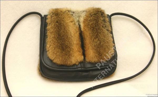 Pelztasche aus Leder und Hamster