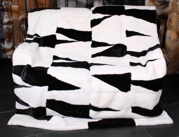 Edle Nerzdecke im Designermuster Black & White