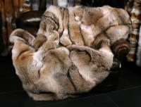 Rustikale Pelzdecke aus kanadischen Kojotenfellen