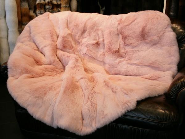Kaninchen Felldecke oder Fellteppich in Rosa