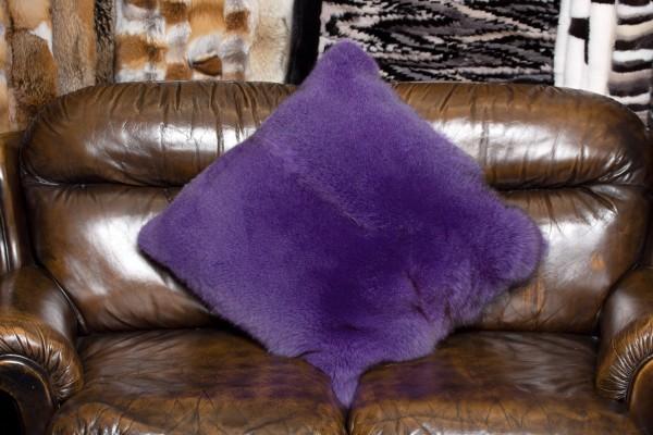 Pelz Kissen aus lila Blaufuchs Fellen - Echtpelz