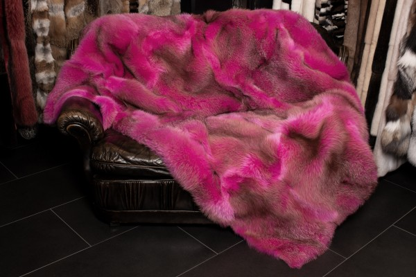 Rotfuchs Echtfell Pelzdecke in extraordinärem Pink