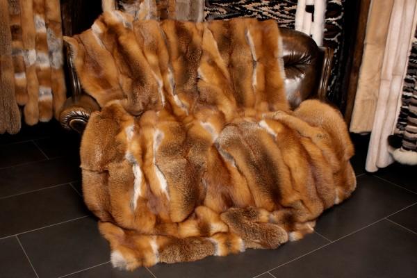 Sofadecke aus kanadischen Rotfüchsen