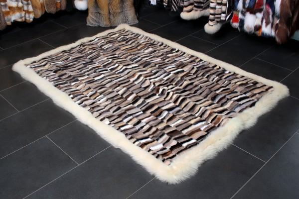Nerzstücken Fell Teppich mit Blaufuchsrand