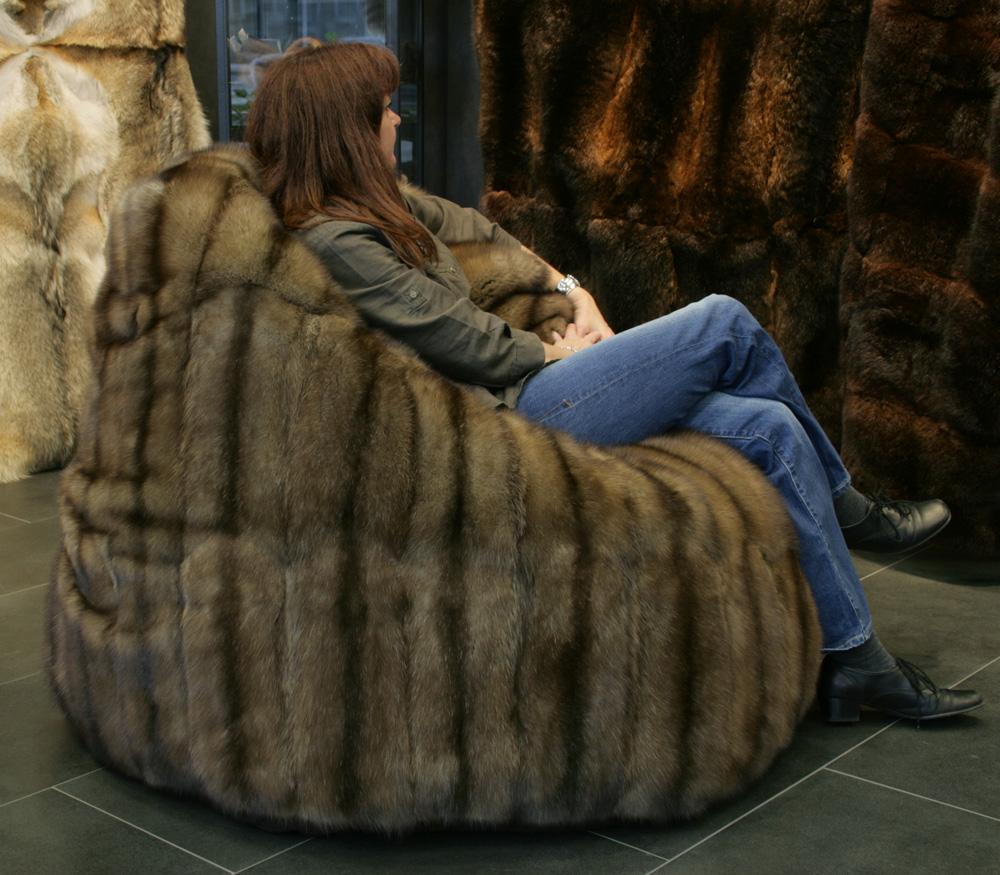 pelz sitzkissen sitzsack aus russischen bargusin zobeln. Black Bedroom Furniture Sets. Home Design Ideas