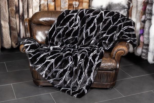 Nerzdecke in schwarz mit weißem Design-Muster