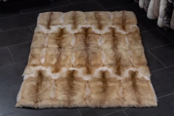 Fellteppich aus Europäischen Rotfüchsen in Creme