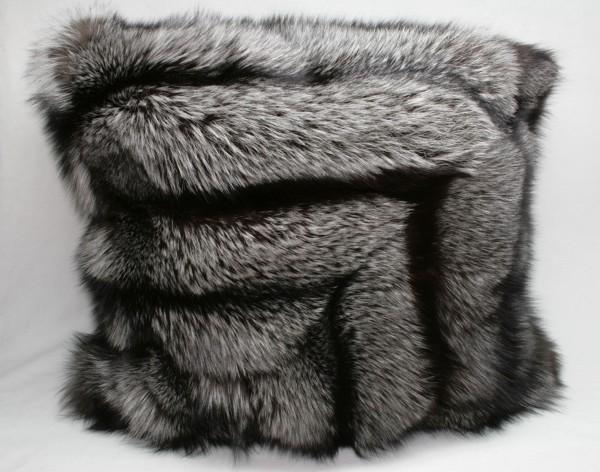 Design Kissen aus Silberfuchs