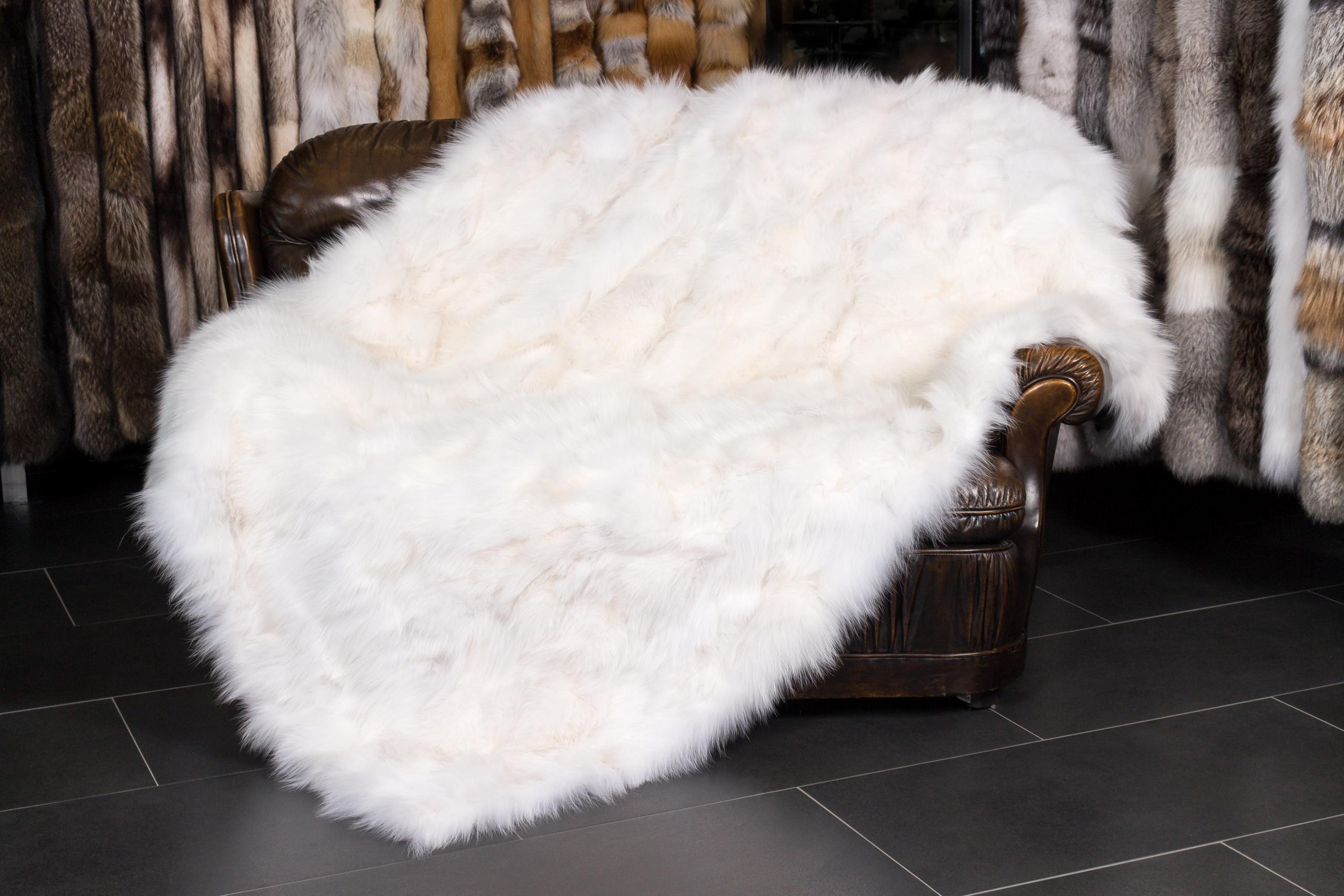 leichte pelzdecke aus skandinavischen fuchsseiten. Black Bedroom Furniture Sets. Home Design Ideas