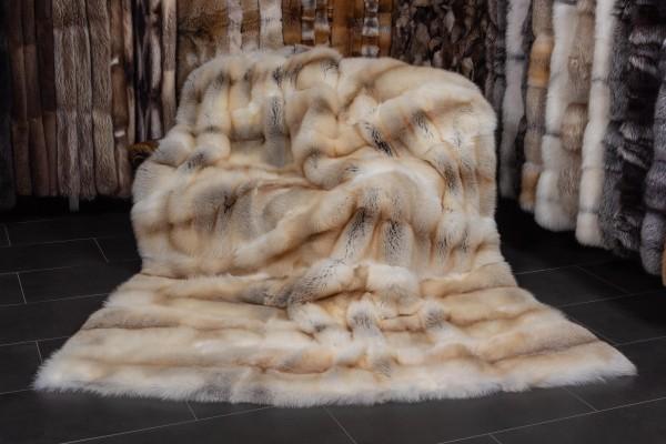 Große Fawnlight Fuchsfell Decke in Honiggelb