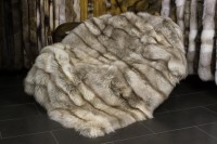 Pelzdecke aus naturfarbenen Amberfuchs (SAGA FUR)