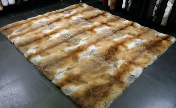 Fellteppich aus echten Rotfuchsfellen