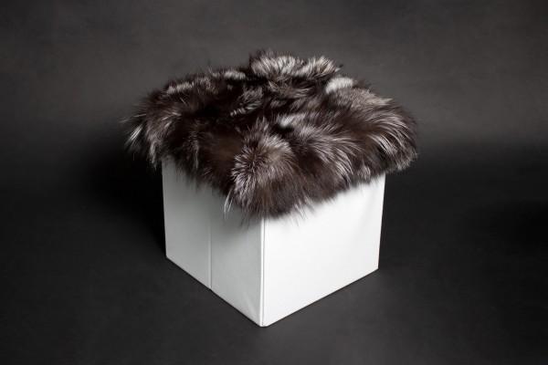 Sitzwürfel mit skandinavischen Silberfuchs Stücken
