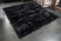 Großer Fell Teppich aus Lammfellen in Schwarz