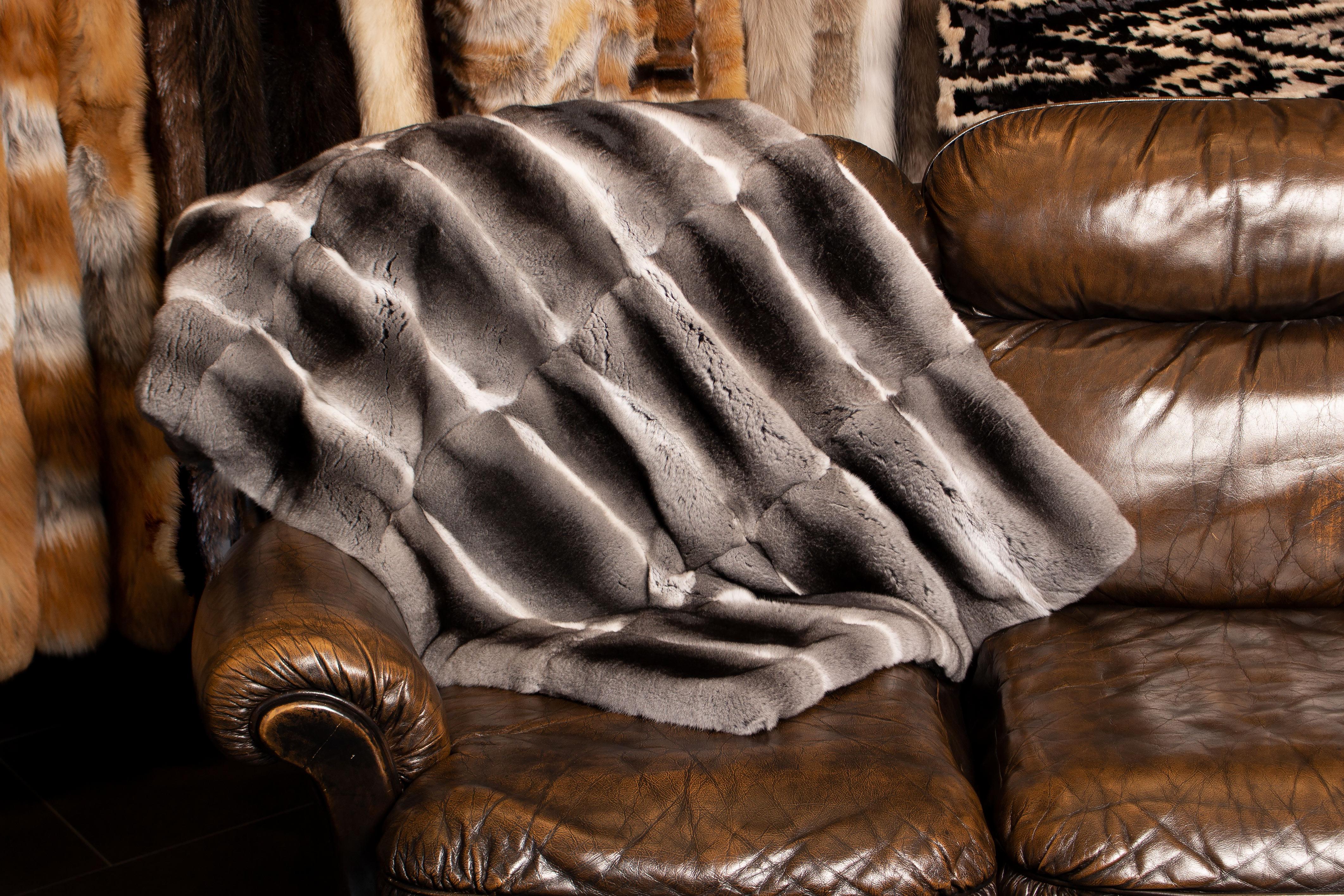 Luxuriose Pelzdecken Aus Chinchilla Felldecken Von Lars Paustian