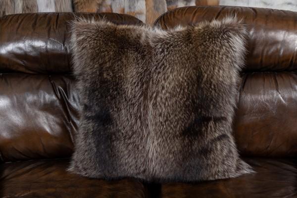 Waschbär Fellkissen mit doppelseitig Fell