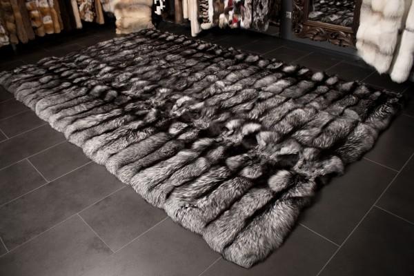 Großer Silberfuchs Pelz Teppich aus skandinavischem Fuchsfell