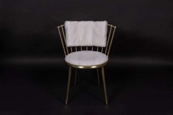 Stuhl mit Gerupftem Nerz in Weiß