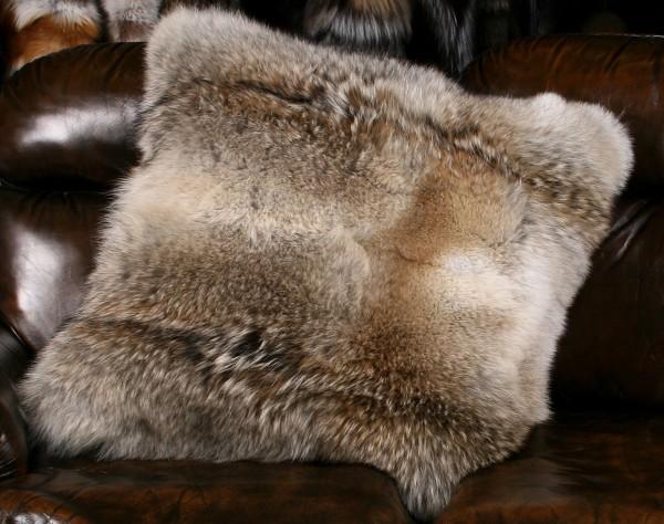 Kanadisches Kojoten Pelzkissen (Fur Harvesters)
