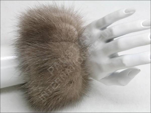 Umarbeitung Ihrer Pelze zu Handstulpen