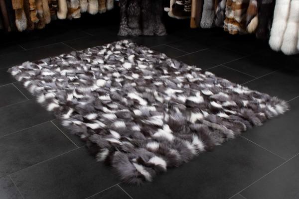 Fuchsseiten Echtfell Teppich in Schwarz Weiß