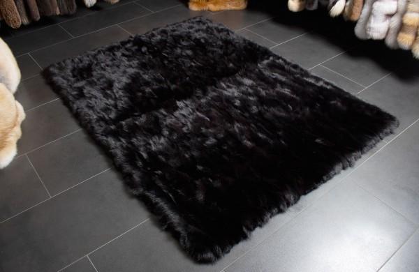 Schwarzer Fell Teppich aus echten Fuchsfellseiten