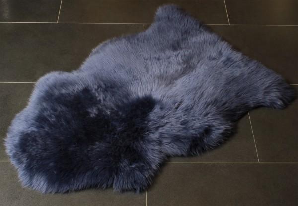 Dunkelblaues Lammfell aus echtem Pelz