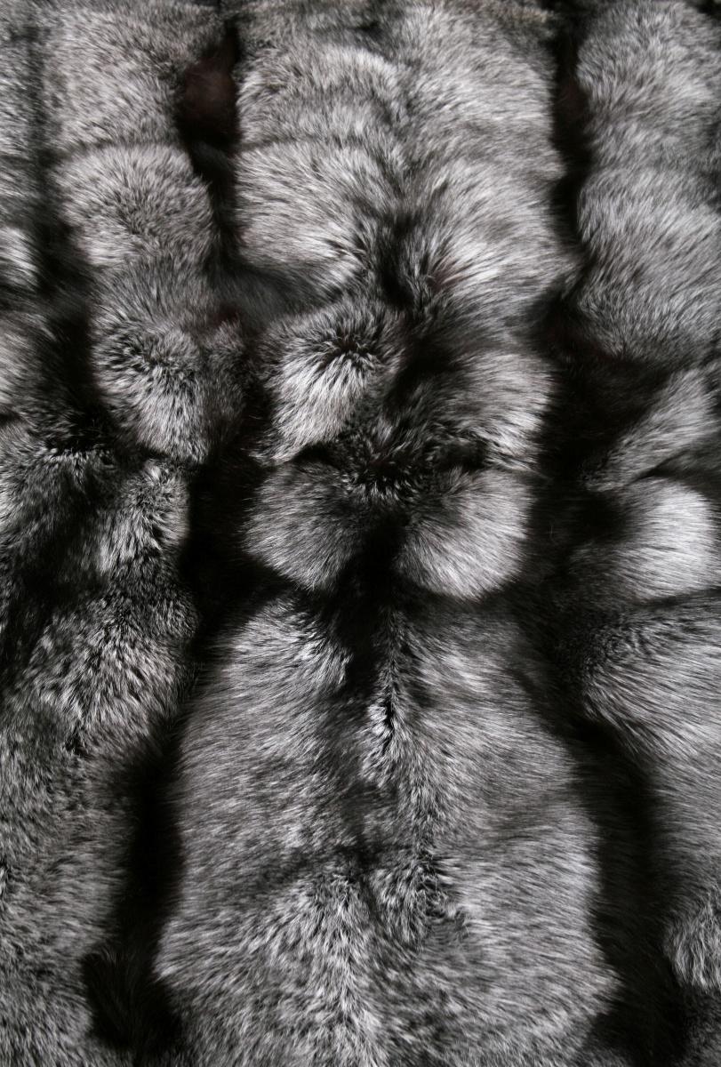 1297 t silberfuchs fellteppich echt pelz fell teppich. Black Bedroom Furniture Sets. Home Design Ideas