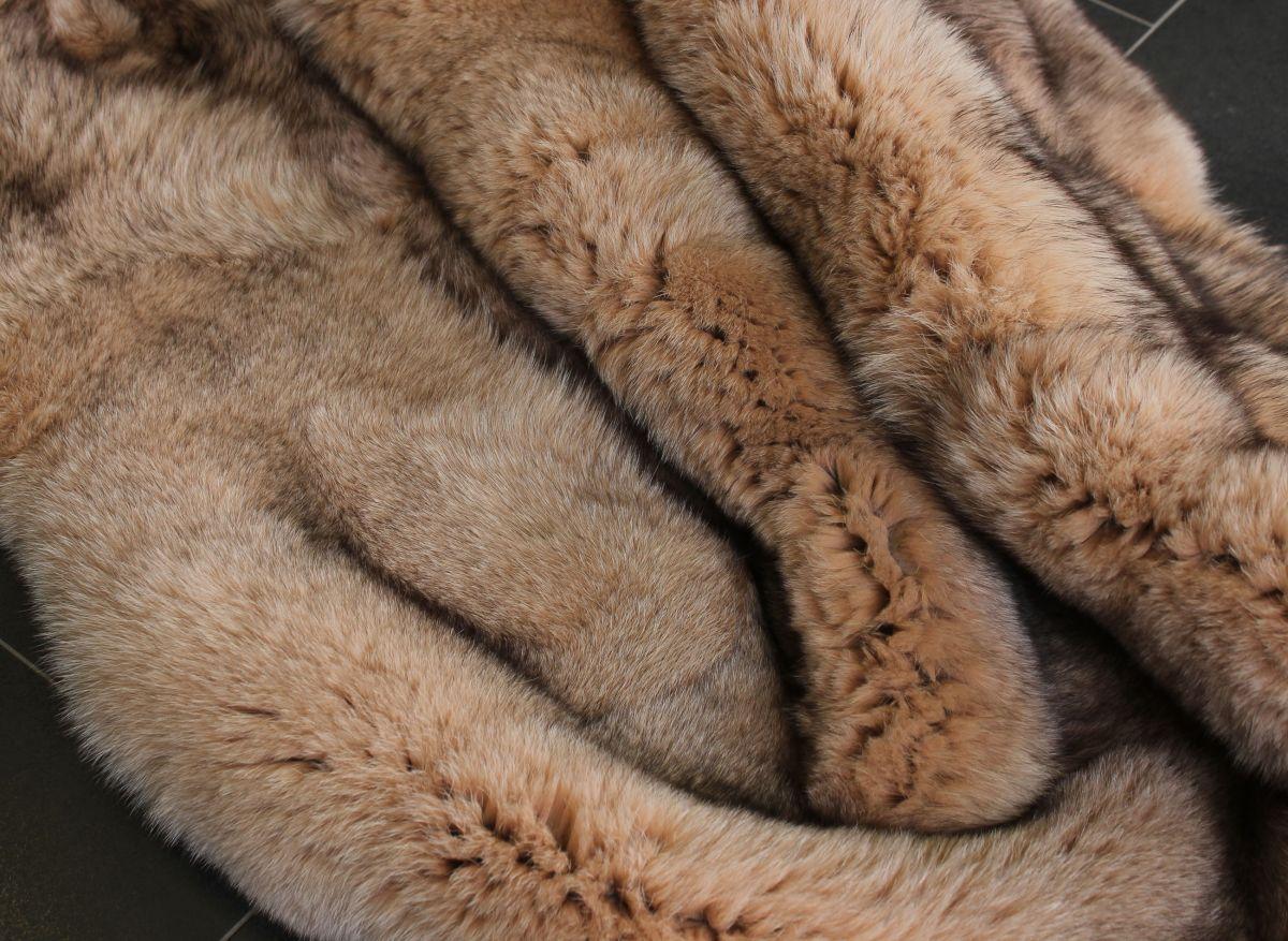 1245 xxl blaufuchs fellteppich echt pelz fell teppich. Black Bedroom Furniture Sets. Home Design Ideas